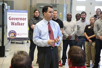 Governor Scott Walker visits Gateway's SC Johnson integrated Manufacturing and Engineering Technology Center